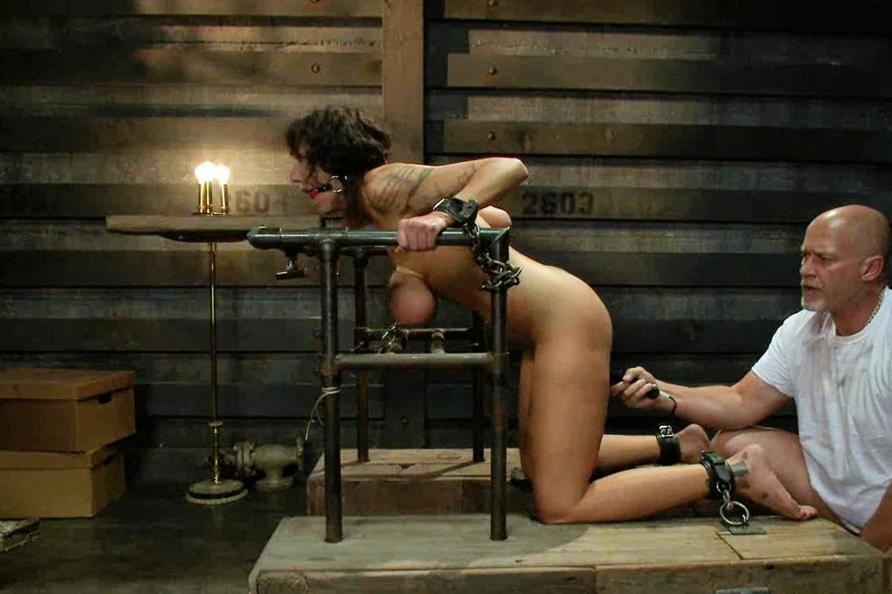 video naked beauties bondage sex in the wild