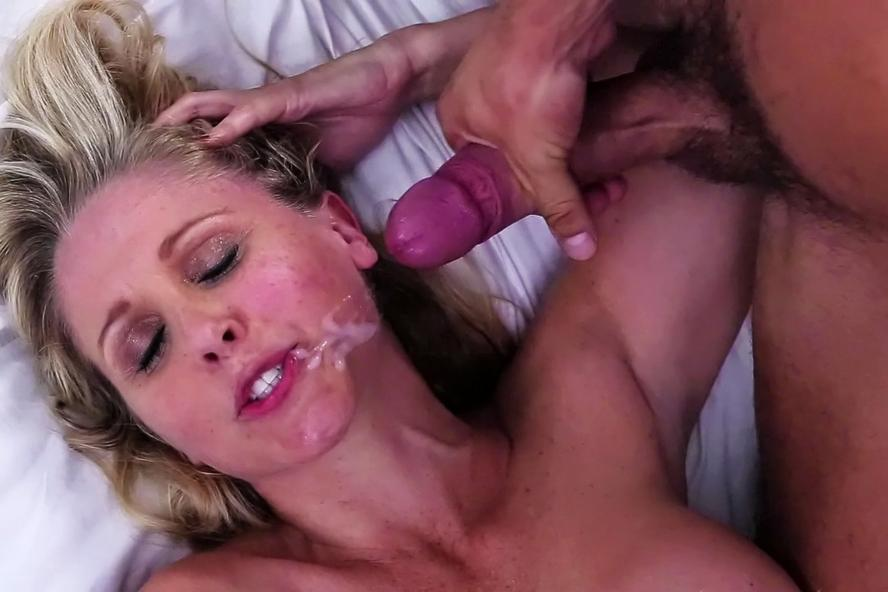 oral Mature women sex doing