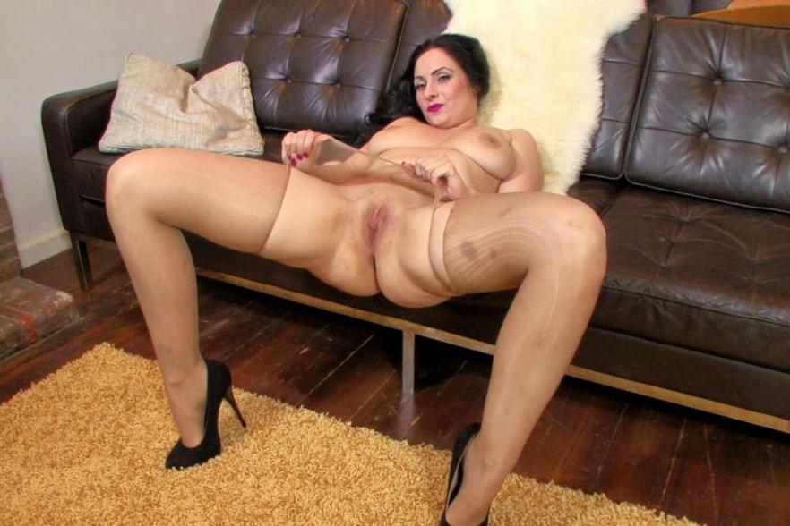 Mature foot pantyhose mopvies