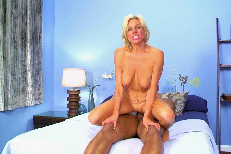 Free mature wives thumbnail gallery — img 12